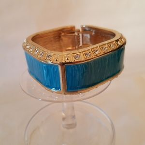 Erica | Wide Cuff Hinged Braclet